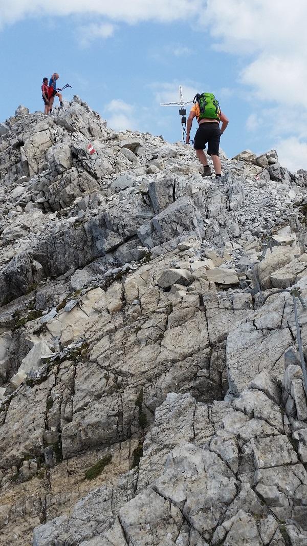 """Die letzten Meter zum Gipfelkreuz """"Mosermandl"""""""